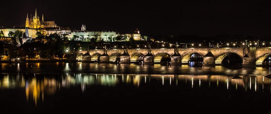 charles_bridge_at_night_-_prague_01-1-scaled
